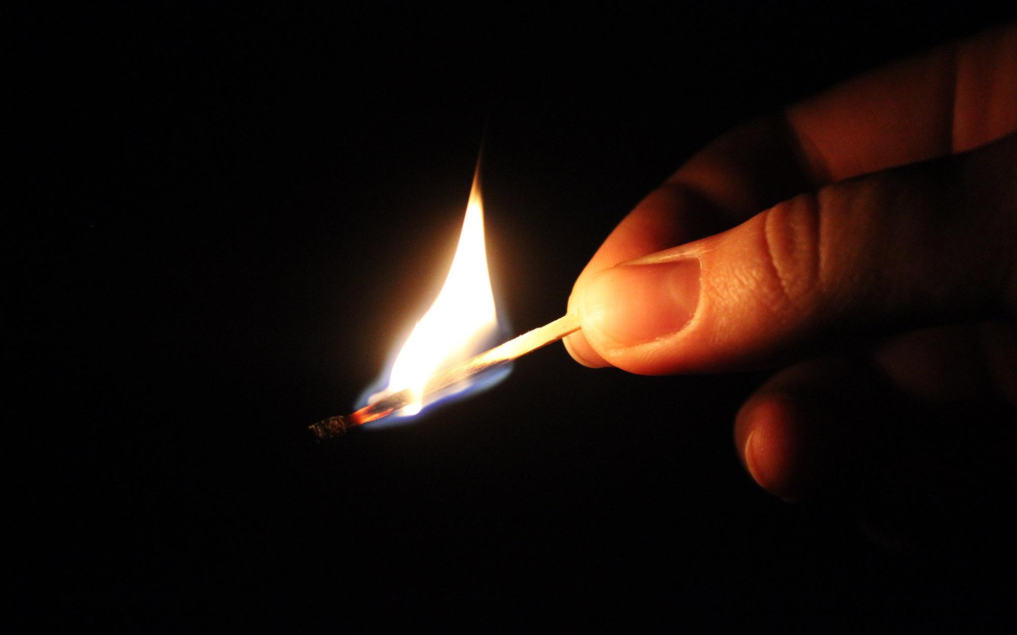 Lý giải hiện tượng siêu nhiên bí ẩn: Cơ thể con người tự bốc cháy (Phần cuối)