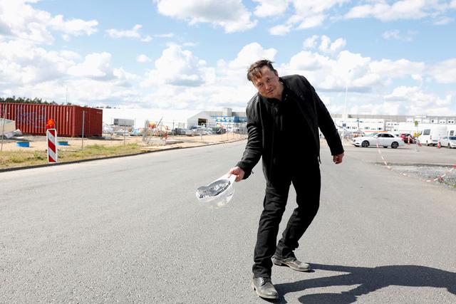 Siêu nhà máy 7 tỷ USD ở châu Âu đột ngột trở thành nỗi đau đầu của Elon Musk - Ảnh 3.