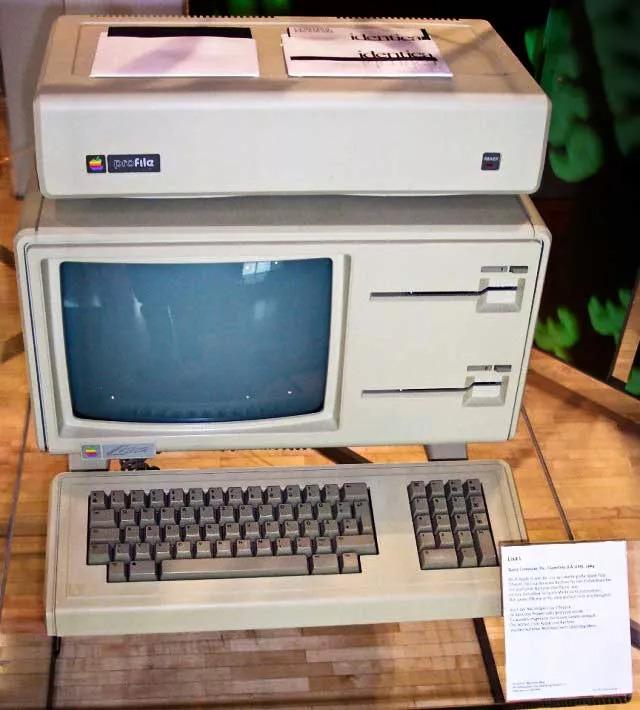 7 lần Apple khiến thế giới trầm trồ vì những thiết kế đi trước thời đại - Ảnh 8.