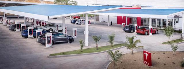 Chán gây sự với thị trường tiền số, Elon Musk mở nhà hàng Tesla - Ảnh 2.