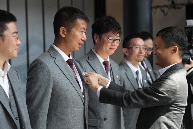 Cái kết buồn của Jack Ma: Khi đế chế hùng mạnh nhất Trung Quốc bị chặt gãy đôi cánh, chỉ còn lại cái bóng mờ - Ảnh 5.