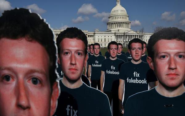 Sở hữu Messenger, Mark Zuckerberg chính là 'kẻ nguy hiểm nhất hành tinh': Theo dõi tin nhắn, cuộc gọi, thậm chí tự động tải file người dùng gửi cho nhau - Ảnh 1.