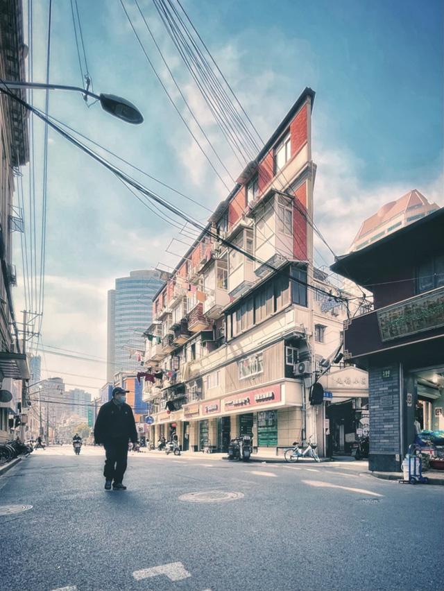 Cuộc sống chật vật bên trong những ngôi nhà mỏng tang như tờ giấy giữa lòng thành phố hoa lệ không bao giờ ngủ - Ảnh 9.