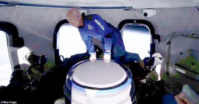 Jeff Bezos vừa tiết lộ cái giá cắt cổ cho chuyến bay lên vũ trụ 10 phút: Mỗi phút đốt 550 triệu USD! - Ảnh 5.