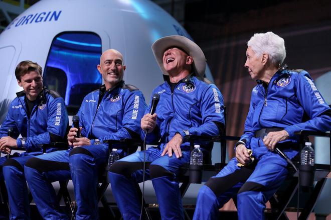 Bí mật cách đây 39 năm của Jeff Bezos: Động lực để tỷ phú đốt 5,5 tỷ USD cho 10 phút du hành vũ trụ! - Ảnh 5.