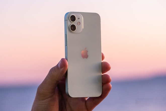 Đây là cách Apple chỉ người dùng vệ sinh iPhone, AirPods và Macbook cho đúng chuẩn Táo - Ảnh 3.