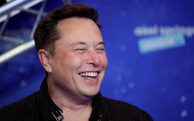 Tesla khiến cả giới phân tích ngỡ ngàng khi báo lãi 8 quý liên tiếp, lợi nhuận tăng gấp 10 lần sau 1 năm - Ảnh 2.