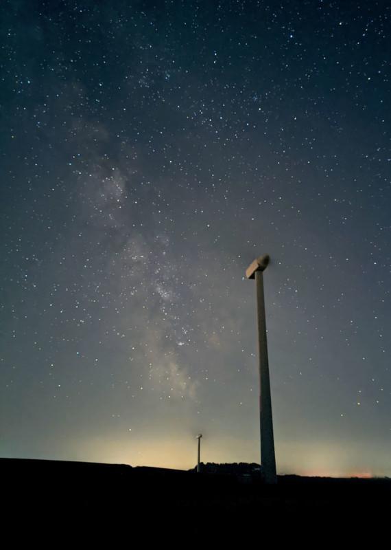 Những bức ảnh thiên văn đẹp mê hồn này được chụp bằng smartphone - Ảnh 2.