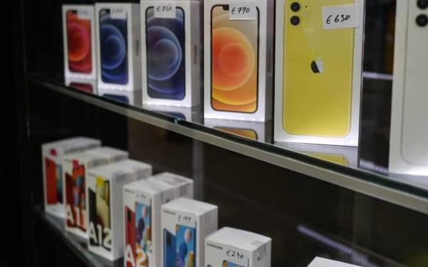 Thiếu hụt chip bắt đầu ảnh hưởng tới sản xuất smartphone - Ảnh 1.