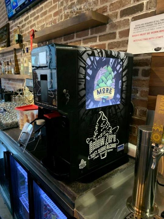 Cỗ máy này sẽ giúp bạn ăn kem bia đến say quắc cần câu - Ảnh 3.