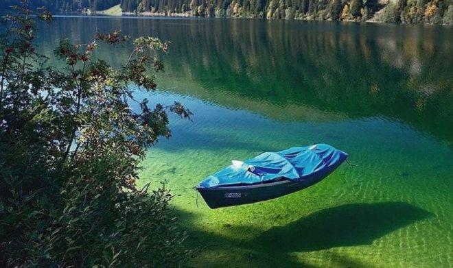 Chiêm ngưỡng hồ nước ngọt sạch nhất thế giới mà con người từng biết đến - Ảnh 2.