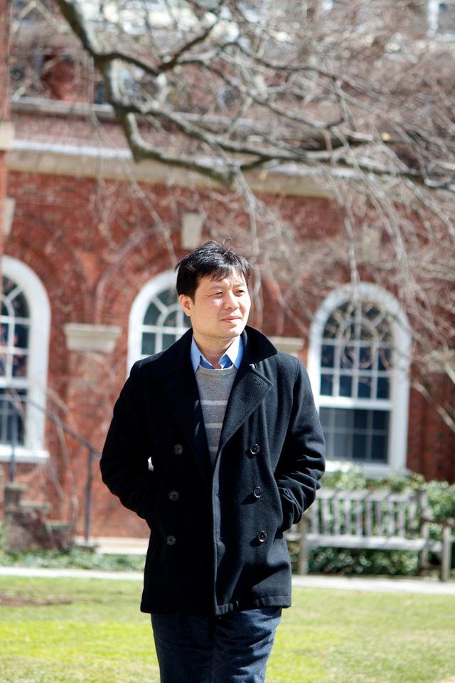 Người đứng sau trợ lý ảo ViVi trên xe VinFast: Giáo sư Đại học ở Mỹ, đoạt giải toán học cao quý ít người có trên thế giới - Ảnh 3.