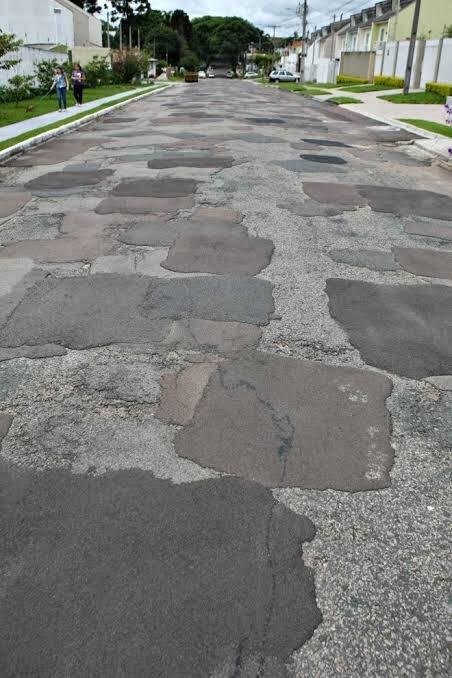 Những con đường xấu xí nhất quả đất - nhìn là chỉ muốn vác xe lên vai chạy bộ còn hơn! - Ảnh 2.