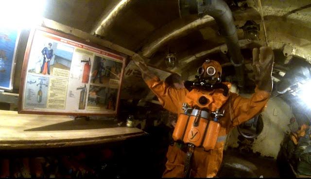 Thủy thủ tàu ngầm Nga huấn luyện thoát hiểm khi tàu chìm như thế nào? Đây là chia sẻ của bác sỹ tâm lý trong hải quân Nga. - Ảnh 1.