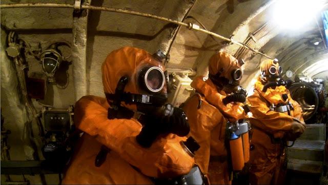 Thủy thủ tàu ngầm Nga huấn luyện thoát hiểm khi tàu chìm như thế nào? Đây là chia sẻ của bác sỹ tâm lý trong hải quân Nga. - Ảnh 2.