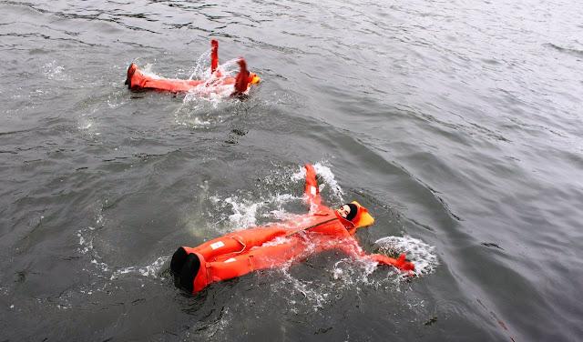 Thủy thủ tàu ngầm Nga huấn luyện thoát hiểm khi tàu chìm như thế nào? Đây là chia sẻ của bác sỹ tâm lý trong hải quân Nga. - Ảnh 12.