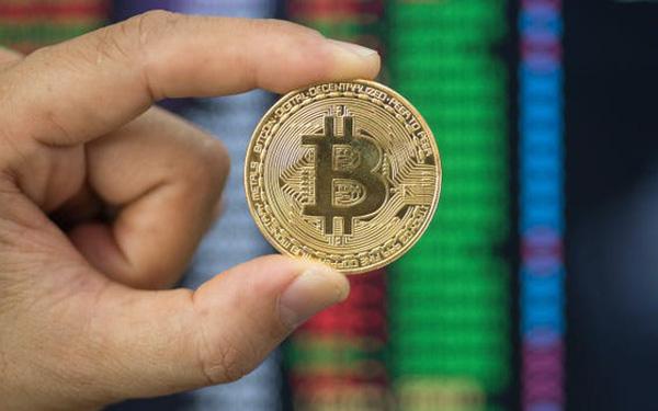 Từ Bitcoin đến Dogecoin đều hồi phục mạnh mẽ, thị trường tiền số lại vượt mức vốn hóa 2 nghìn tỷ USD - Ảnh 1.
