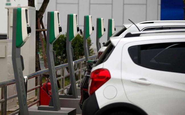 Chân dung DN vừa hợp tác cùng VinFast: Nhà sản xuất pin Trung Quốc đầu tiên niêm yết, là đối tác chính của Volkswagen, vốn hoá thị trường hơn 10 tỷ USD - Ảnh 1.