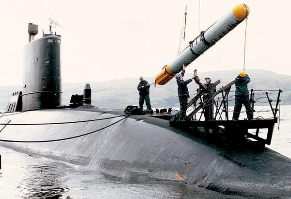 Quân đội Hoa Kỳ tung video tập trận mãn nhãn: tổng lực không – lục – hải quân đánh gãy đôi tàu khu trục - Ảnh 5.