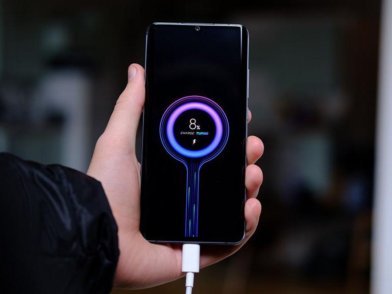 Thay pin không chính hãng sẽ khiến điện thoại Xiaomi sạc chậm hơn - Ảnh 1.