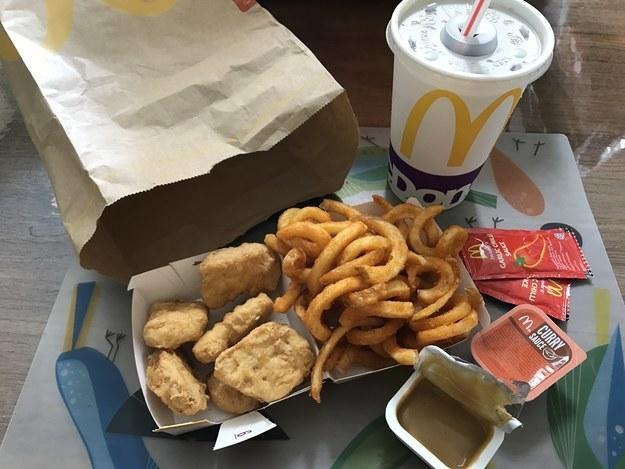 Tổng hợp 18 món ăn đặc dị của McDonalds chỉ có ở một số quốc gia. Bạn thử Trùm cuối chưa? - Ảnh 5.