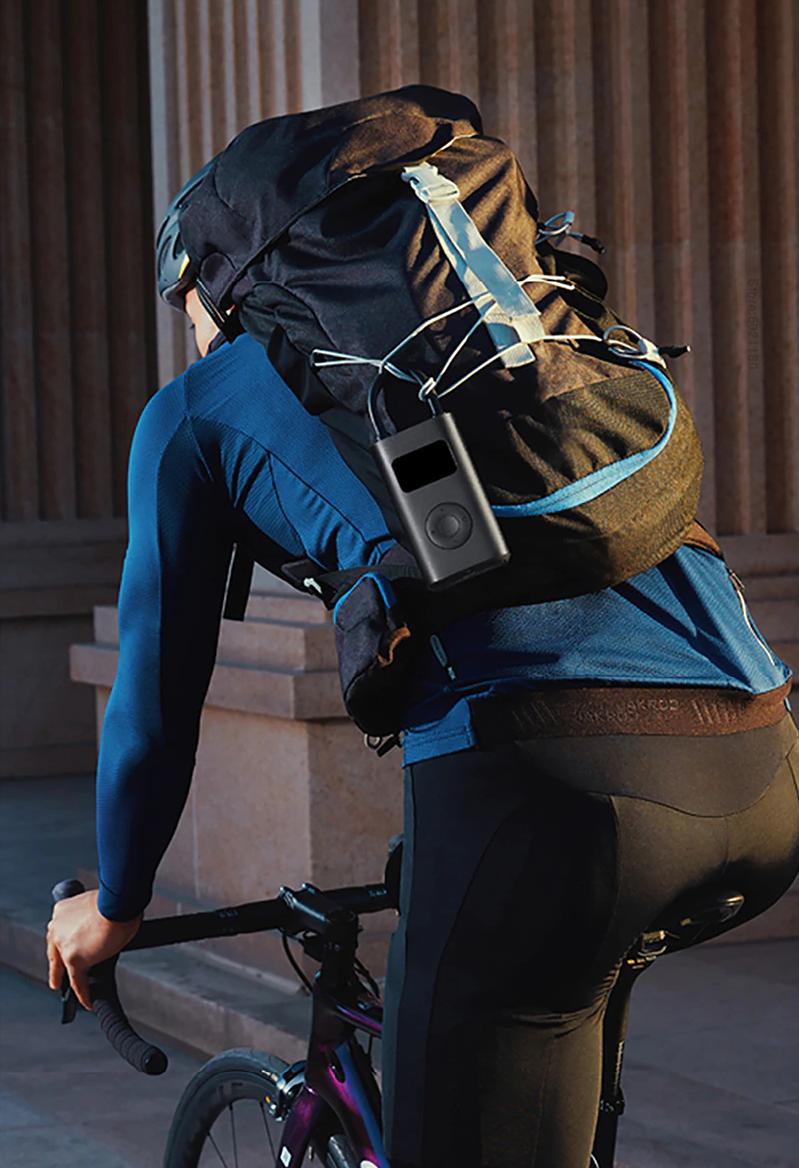 Giãn cách xã hội mới thấy chiếc máy bơm bánh xe cầm tay nó tiện dụng ra sao - Ảnh 11.