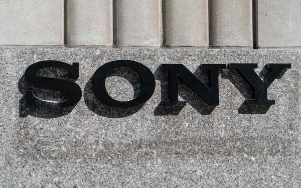 Gieo hạt suốt hàng chục năm, Sony bắt đầu hái trái ngọt giữa đại dịch Covid-19: Từ TV, máy ảnh đến nhạc, phim đều đắt hàng, riêng PS5 không còn phải bán lỗ - Ảnh 1.