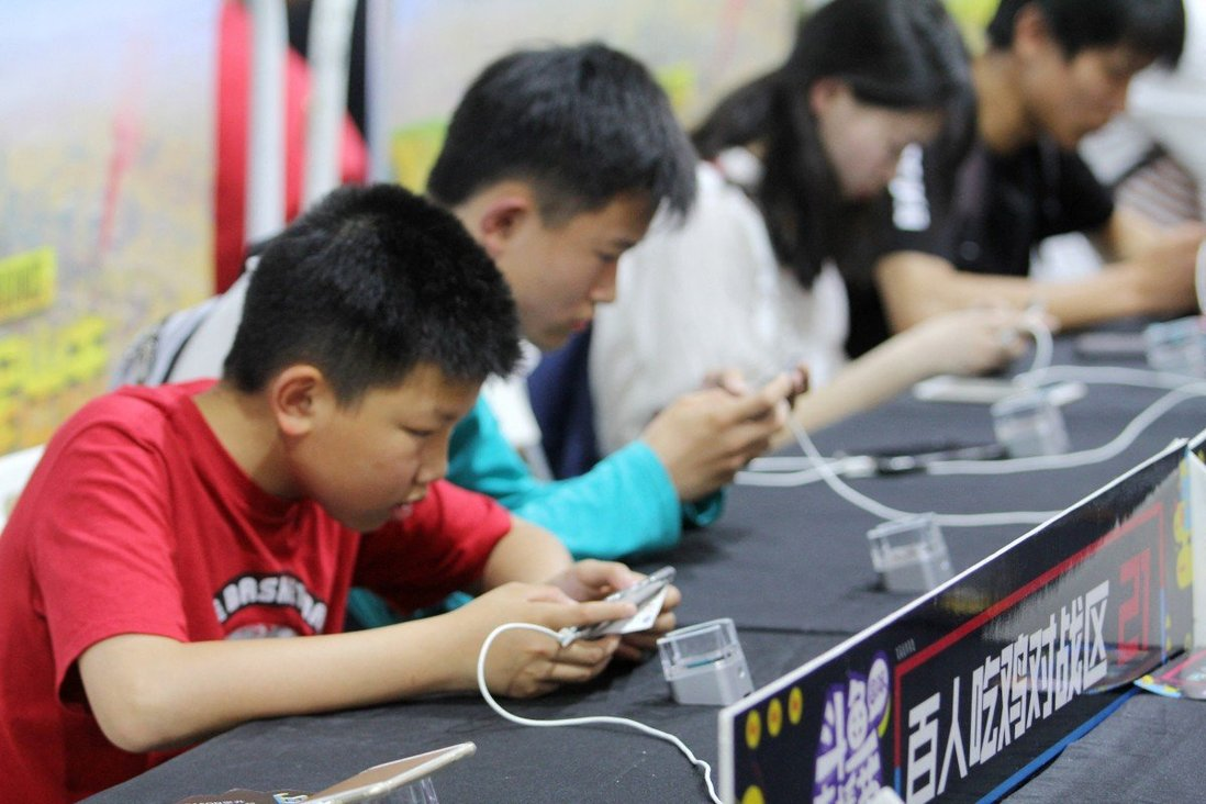 Apple sắp đau túi vì Trung Quốc giới hạn giờ chơi, tạm ngừng cấp phép cho game - Ảnh 1.