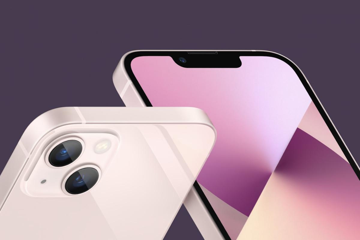 Có 47 triệu, chọn iPhone 13 Pro Max full option vừa ra mắt hay Galaxy Z Fold3 để chứng tỏ độ sang chảnh? - Ảnh 1.
