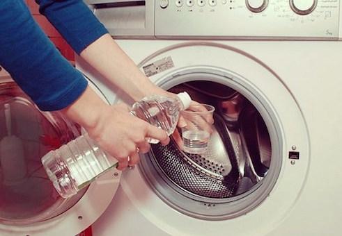 Bí kíp vệ sinh máy giặt sạch tinh như mới bằng 3 phụ gia thực phẩm phổ biến mà nhà nào cũng có - Ảnh 6.