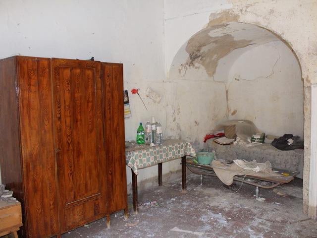 Sự thật mất lòng đằng sau cơn sốt nhà 1 euro ở Ý: Khu bất động sản chỉ bằng 1 cốc cafe nhưng mất hàng trăm nghìn đô để tu sửa - Ảnh 3.