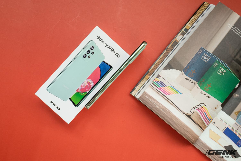Trên tay Samsung Galaxy A52s 5G: Phiên bản nâng cấp nhẹ với vi xử lý mới - Ảnh 5.