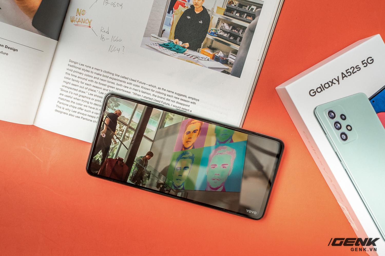 Trên tay Samsung Galaxy A52s 5G: Phiên bản nâng cấp nhẹ với vi xử lý mới - Ảnh 7.