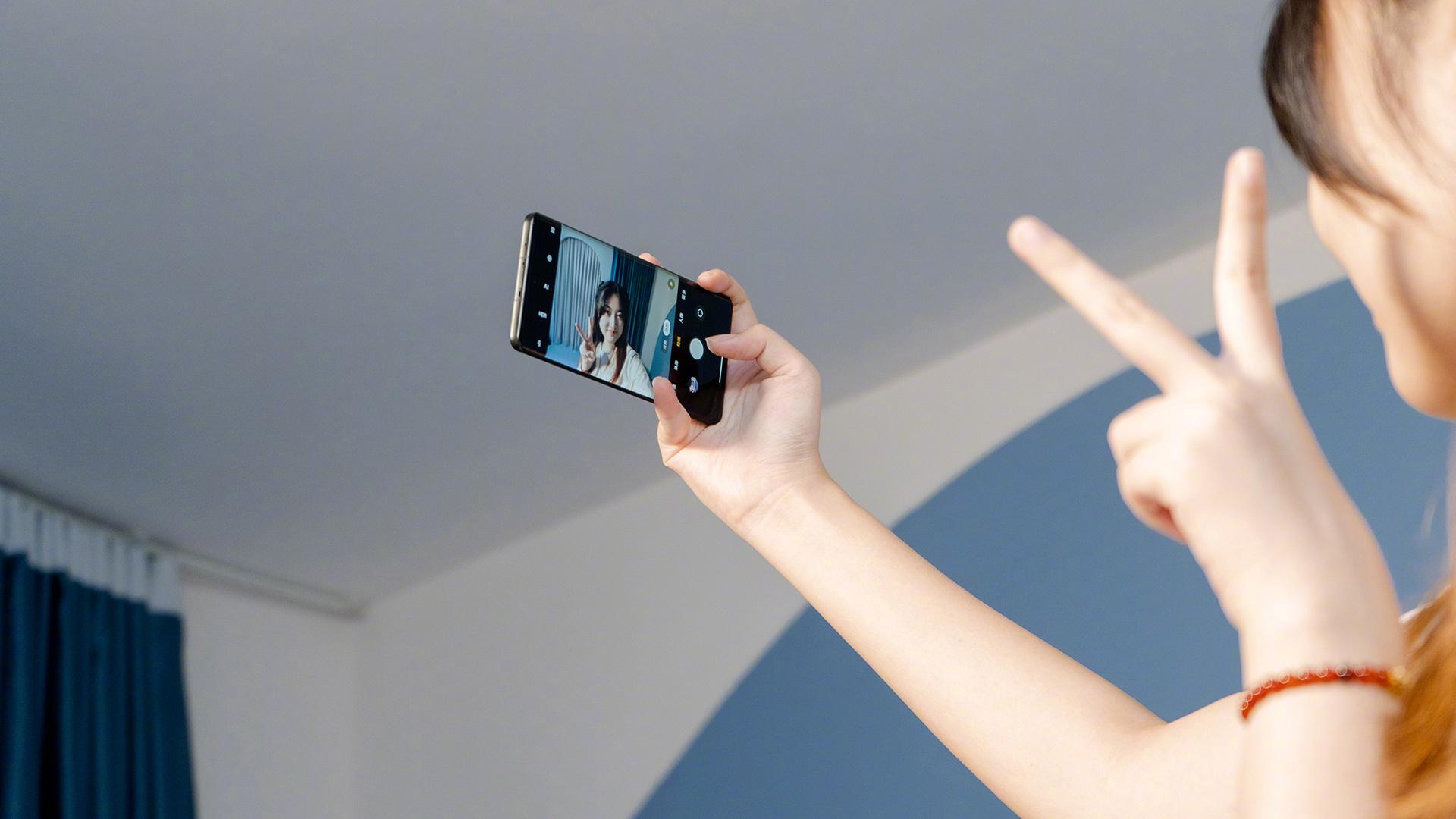 Xiaomi CIVI ra mắt: Camera selfie tích hợp công nghệ làm đẹp GAN đầu tiên,  Snapdragon 778G, giá từ 9.1 triệu đồng
