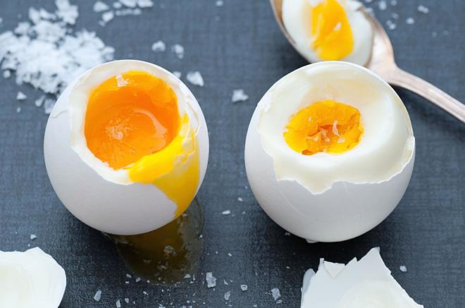 So sánh hàm lượng dinh dưỡng của trứng gà, trứng vịt, trứng cút... loại nào bổ dưỡng nhất? - Ảnh 6.
