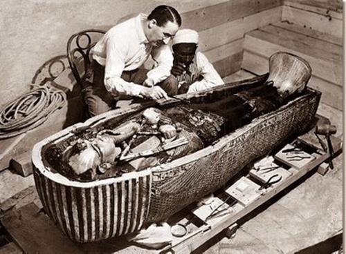 Có hay không lời nguyền trong lăng mộ của Vua Tutankhamen?