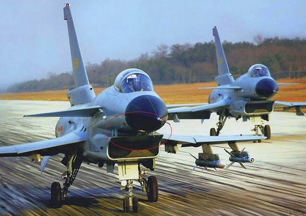 Biến thể tiêm kích J-10A, điểm yếu chí tử của tiêm kích này nằm ở khoảng hở giữa động cơ và bụng máy bay.