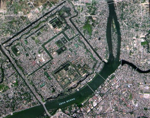 Ảnh Thành phố Huế do vệ tinh VNREDSat-1 chụp ngày 13/5 (chụp lại từ màn hình).