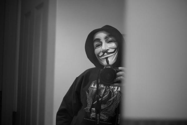 Điểm danh những hacker Anonymous đã lộ diện