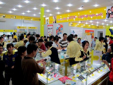 Khách hàng đang dịch chuyển sang các dòng smartphone giá rẻ và tầm trung.