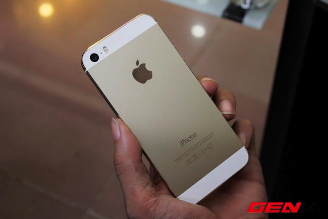 Mở hộp iPhone 5s tại Việt Nam, so sánh với iPhone 5