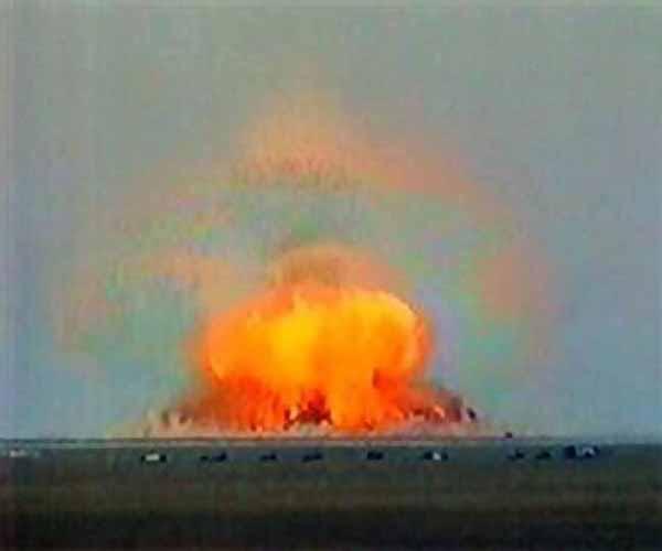 Trong vài năm qua, một số máy bay ném bom tàng hình B-2 đã được cải tiến để mang bom GBU-57, trung bình mỗi chiếc B-2 có thể chở được 2 quả bom.