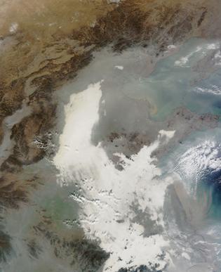 Bức ảnh mà vệ tinh Nasa chụp được ở bở biển phía đông Trung Quốc, nơi có thành phố Thượng Hải