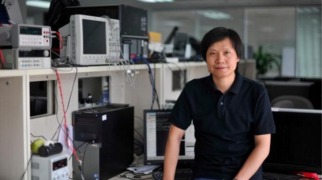 CEO Lei Jun của Xiaomi có phong cách trước công chúng khá giống huyền thoại quá cố của Apple Steve Jobs Ảnh: Internet