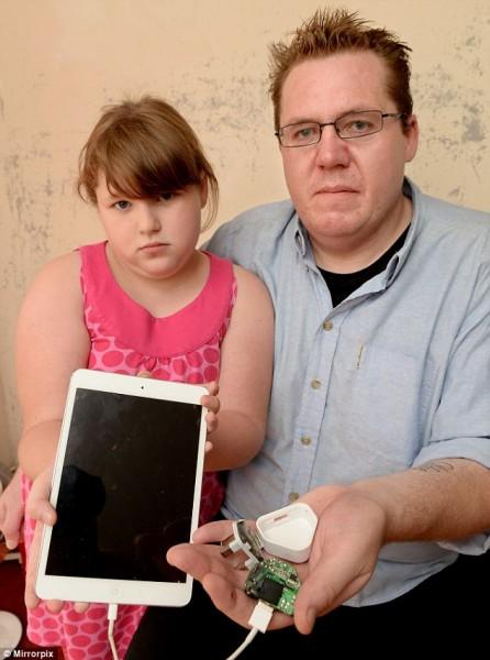 Sạc iPad phát nổ, một người suýt mất mạng