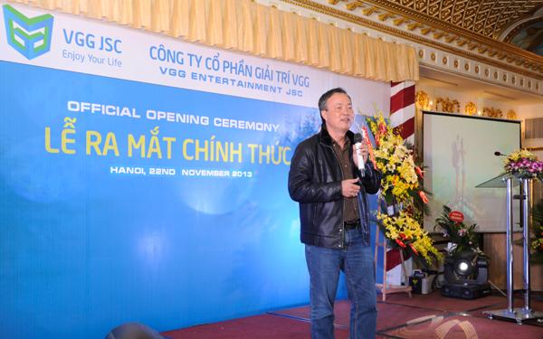 Khách mời: Tiến sĩ Lê Thống Nhất, cố vấn truyền thông của Công ty hóm hỉnh nhận xét về cụm chữ VGG: Vượt Gay Go, Vui Gặp Gỡ, Vững Gan Góc, Vang Ghê Gớm
