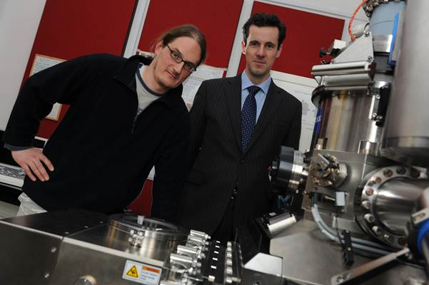 Tạo ra siêu vật liệu graphene đơn giản từ than chì