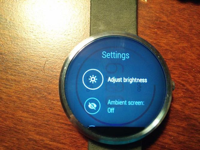 Vừa mới bán ra, nhiều người dùng đã gặp rắc rối với smartwatch Moto 360