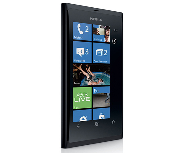 Lumia_800.