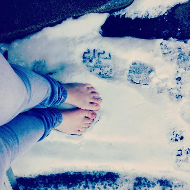 Những bước chân này sẽ để lại dấu vết khi bước đi trên tuyết, bạn có bao giờ thực hiện được điều tuyệt vời này chưa?